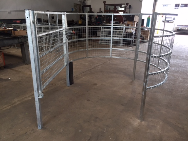 bespoke kissing gate